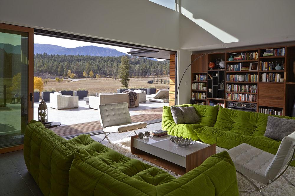 turkel_modern_design_prefab_home_windermere_britishcolumbia_windows_open.jpg