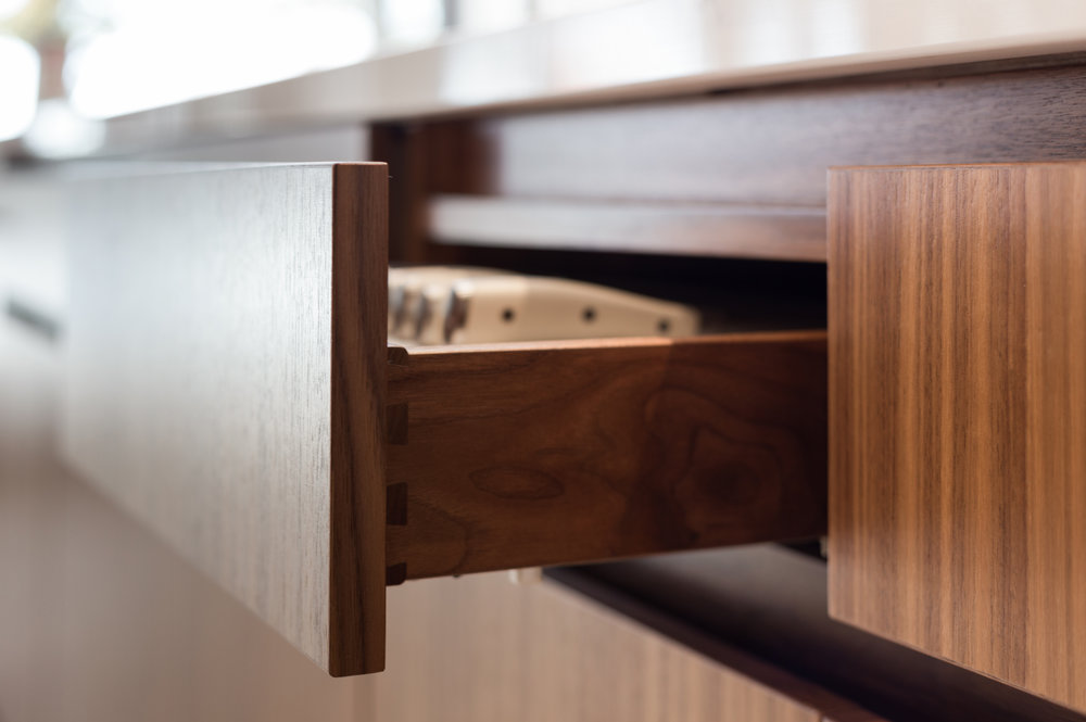 turkel_design_modern_prefab_home_kitchen_cabinetry_drawer_detail.jpg