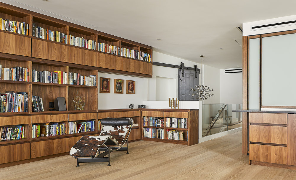turkel_design_modern_prefab_home_soho_loft_living_room.jpg