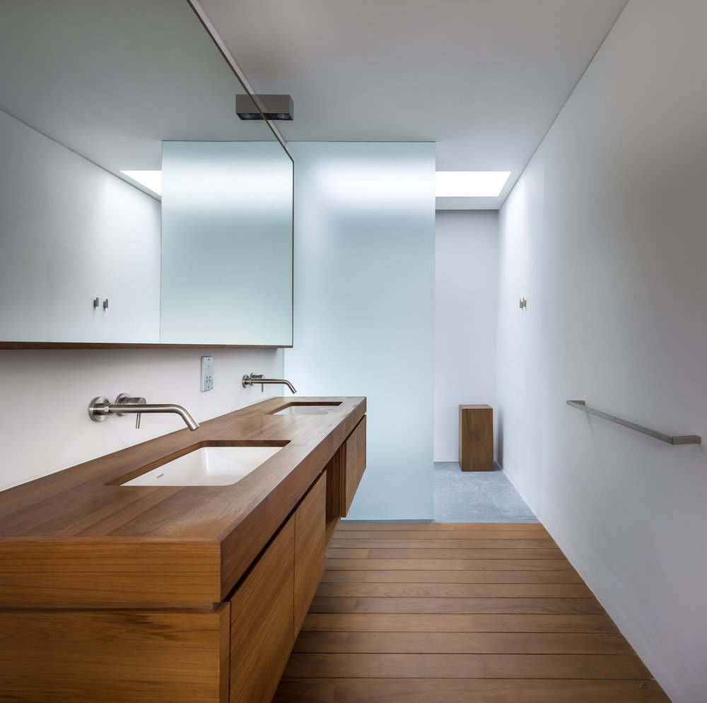 turkel_design_modern_prefab_home_partners_cea_design_bathroom_fixtures.jpg