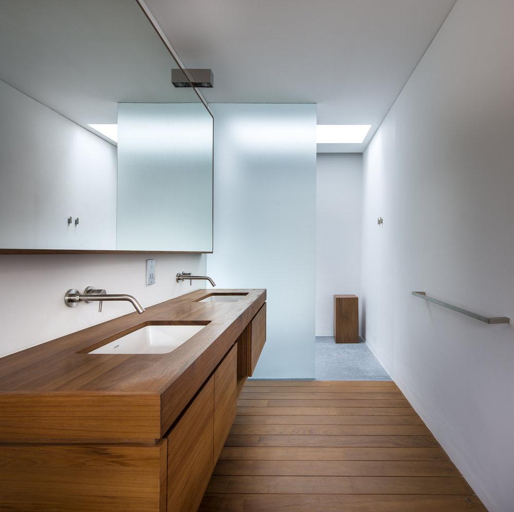 turkel_design_modern_prefab_home_partners_cea_design_bathroom_fixtures.jpg