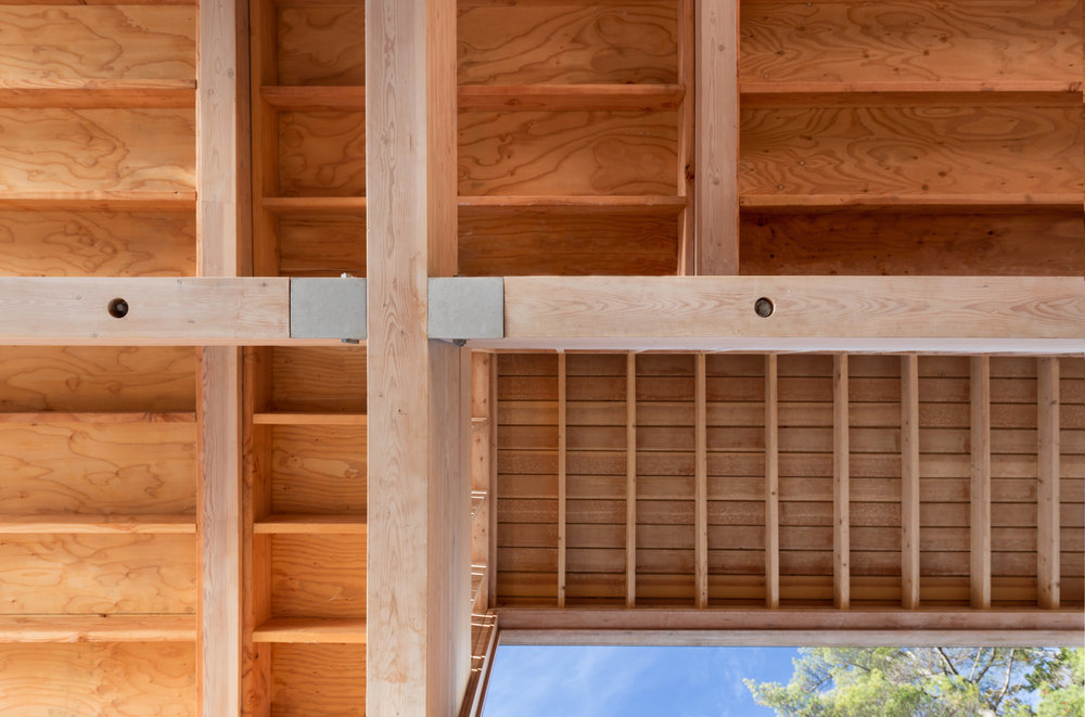 turkel_design_modern_prefab_home_muskoka_boathouse_ceiling_details.jpg