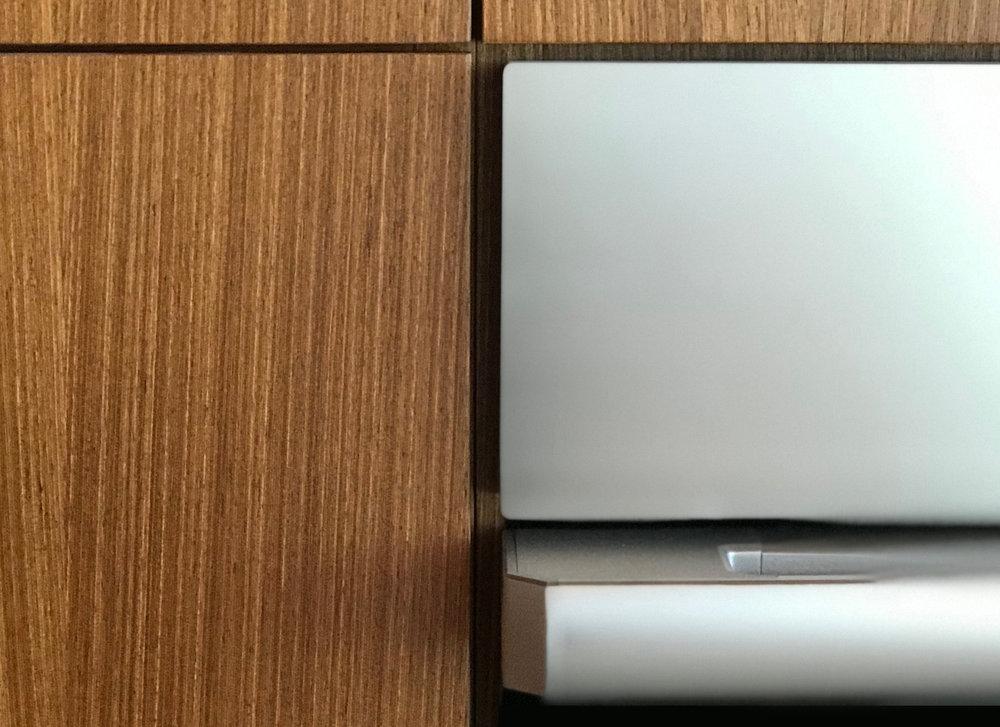 turkel_design_modern_prefab_home_axiom_desert_house_dacor_kitchen_appliances.jpg