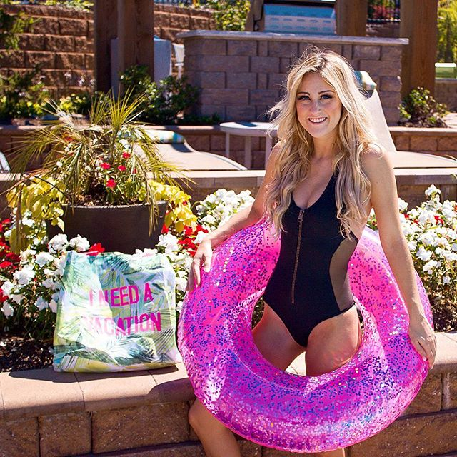How is everyone's week going?! 💕 There are three amazing brands that I am reppin' in this photo! I love this new one piece from @smartandsexysocial ❤️ I am normally not into one pieces but this is my favorite! It's also the most affordable swimwear! Check out their page for more! This super cute beach bag is from @shopilovejewelry 💜 Lastly, my pool float is from @poolcandy y'all know how much I love pink and glitter! Hope everyone has an awesome Friday tomorrow!! #joansmalls #newcollection #swimwear