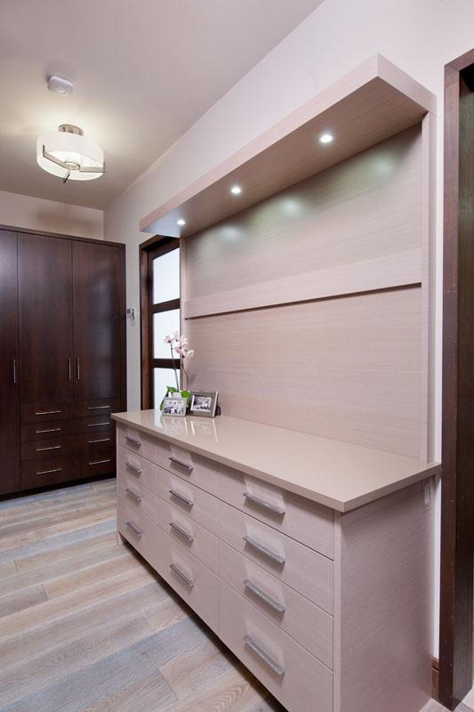 kitchen_bath_concepts_Master closet_10622.jpg
