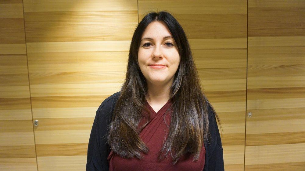 Sarah Davies - Ålder: 34Bor: StockholmPluggade: Kandidat i kinesiska och en master i Kina-studier.Jobbar med: Provkoordinator på kammarkollegiet