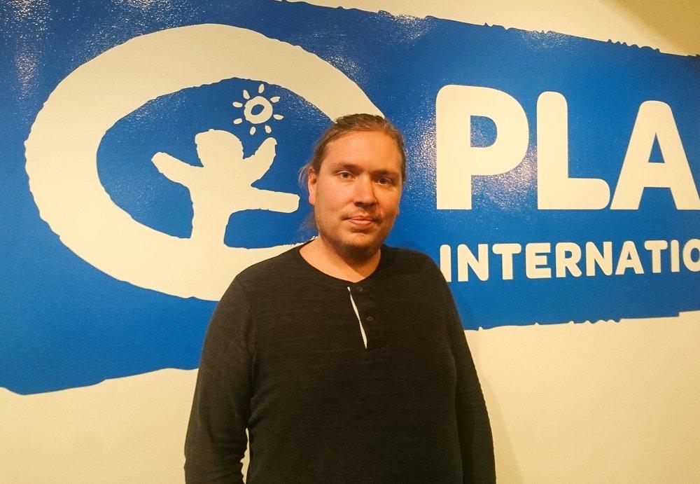 Kristian Isaksson - Ålder: 31Bor: StockholmPluggade: Barnkultur (magister) och teatervetenskapJobbar med: Ungdomskoordinator på Plan International Sverige