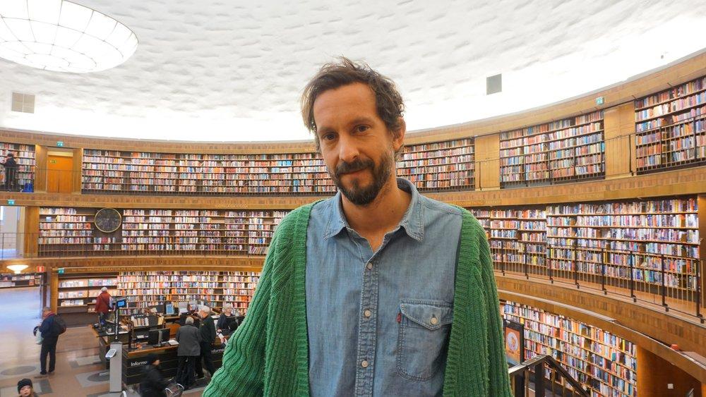 Petter Södrin - Ålder: 37Bor: StockholmPluggade: Kulturvetarlinjen, kandidat i barnkulturJobbar med: Mediestrateg på Stockholms bibliotek