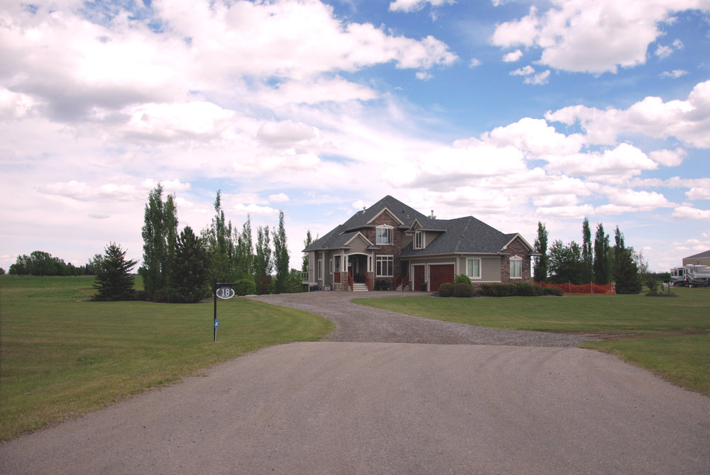 LASK CUSTOM ACREAGE HOMES OKOTOKS 7.jpg