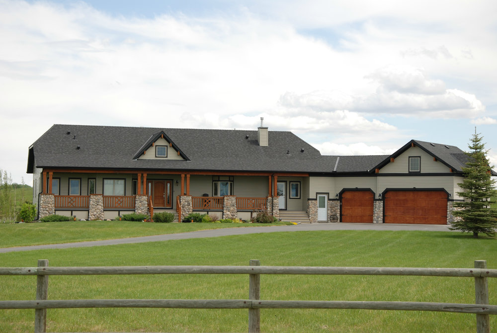 LASK CUSTOM ACREAGE HOMES OKOTOKS 10.jpg