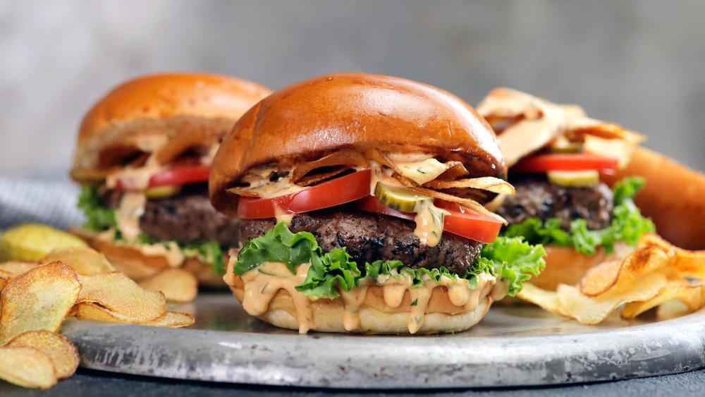 0d26ee59-813-lucyjuicycrunchburger-land1.jpg