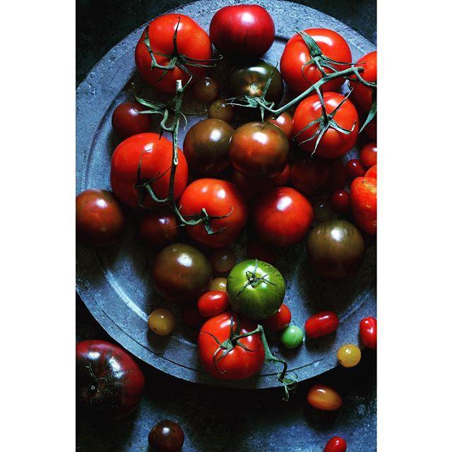 the tomatoes . 📷 @joefilshie @joe_filshie_gallery #tomatoes #chasinglight #foodstylist #foodphotography #fruit #feedfeed #f52grams #summerfruit