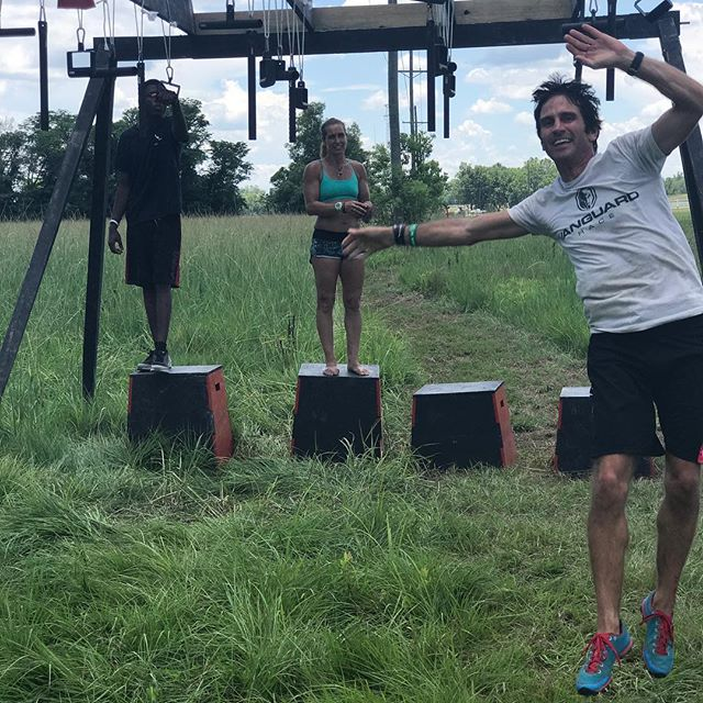 These crazy kids are having too much fun showing racers how to conquer this rig 🤣🤣🎉 •••• •••• @doug.snyder1 ♥️ @lisa_nondorf_