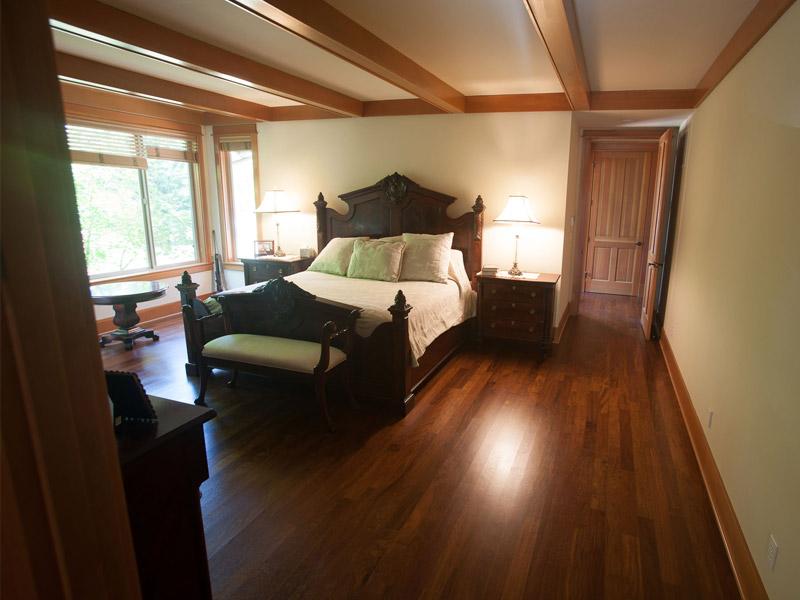 bedroom-floor.jpg