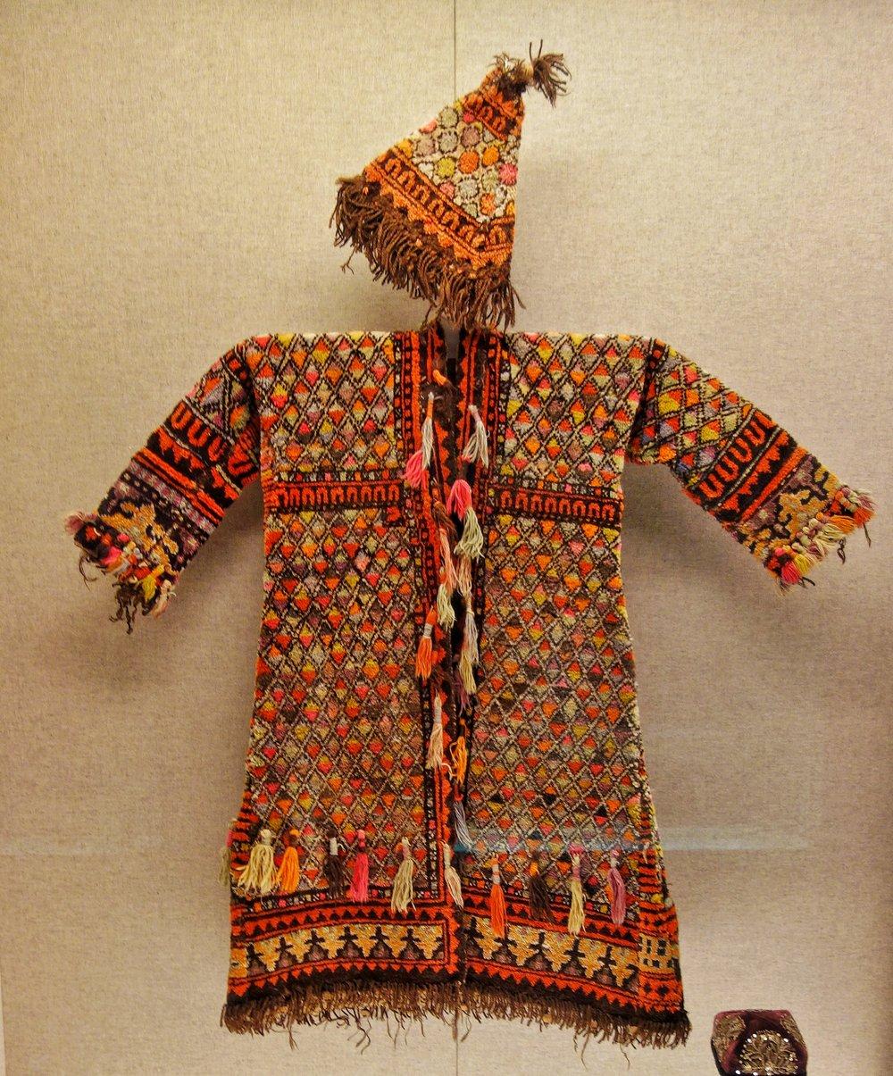 Ughyur Men's Dress