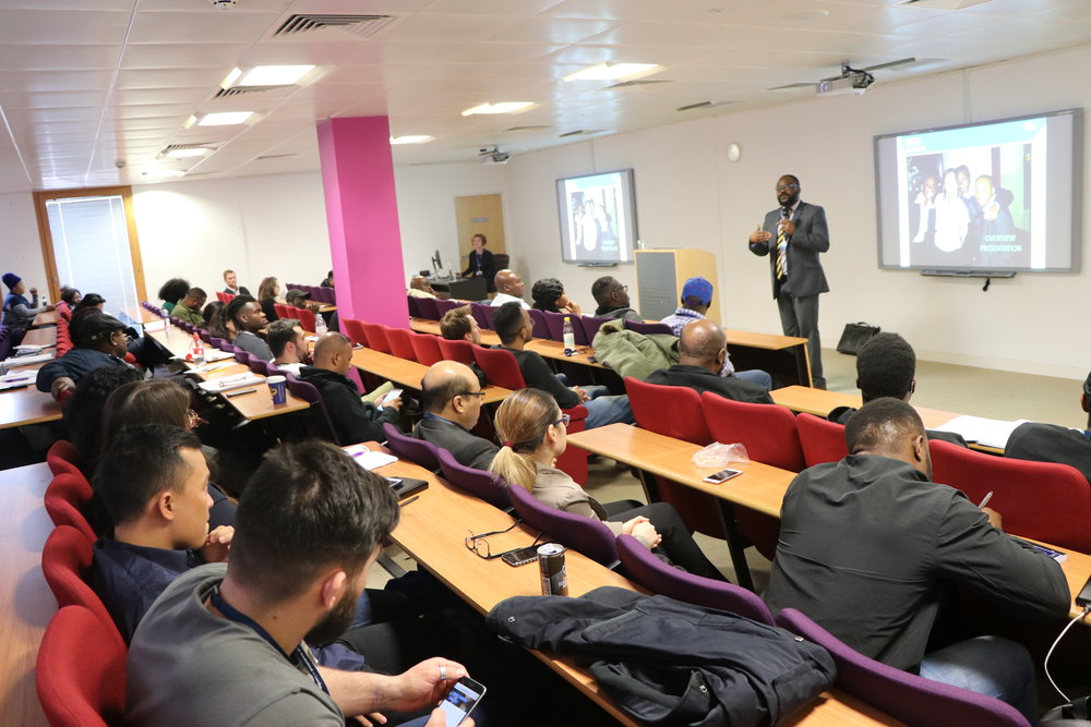 Addressing Business Management Students, University of Sunderland Business School, London.