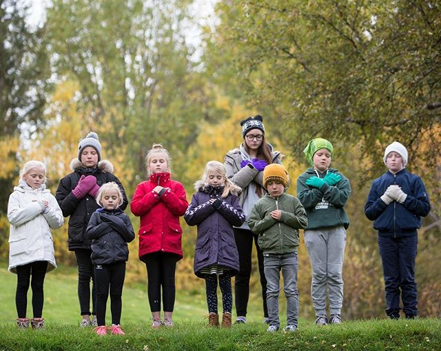 Hugleiðsludagur unga fólksins I 2018 I Meditation day for Youth.  October 9th 2018!  Vertu með okkur (Jógahjartað og Vinayasa Yoga for Youth) þann 9. október í 3 mínútna hugleiðslu fyrir frið í hjarta!  Allir mega vera með hvar sem er kl 10:30 eða samdægurs!  Join organizers of non profits Jogahjarad and Vinaysa Yoga for Youth + Youth in Iceland and Canada in a 3 minute meditation for PEACE IN HEART on October 9th!  In Iceland we are aim for meditating at 10:30 GMT in sync with a few exceptions. Last year over 40 Public Schools in Iceland joined us and around 4000 children meditated at the same time for PEACE IN HEART.  Youth around the world can join us same day at any time! Grown ups are encouraged to create platforms and gatherings within classrooms or spaces with youth to join!  Sköpum friðarbylgju í hjörtum!  Join us in a PEACE wave between continents!  Meira um daginn (english below) Markmið  dagsins er að sameina ungt fólk (6-16 ára) í 3 mínútna hugleiðslu í grunnkólum hérlendis og erlendis (við vitum að kennarar Vinyasa Yoga for Youth í Kanada verða með að einhverju leyti eins og í fyrra innan sinna skólahópa). Við  erum að vekja athygli á hugleiðslu sem leið til að ma. skapa innri frið,  finna innri náttúrulega gleði, vinna úr tilfinningum, kvíða, streitu og  vanlíðan hjá ungu fólki og gera þau að sterkari einstaklingum.  Sama dag er afmælisdagur John Lennon, þess mikla friðarsinna og verður kveikt á friðarsúlunni um kvöldið í Viðey.  Okkar bestu hjartans kveðjur, Verkefnastjórn Jógahjartans // Icelandic non profit organization Jogahjartad and Canadian Vinyasa Yoga for Youth will join in a 3 minute meditation on October 9th with Youth in Iceland and Canada. Join us all over the world same day, share the event and lets make a PEACE Wave!  The IMAGINE PEACE TOWER is lit that day in Videy in Reykjavik, Iceland as a beacon of hope of peace for all mankind.  Much love Jogahjartad (Iceland) and Vinyasa Yoga for Youth (Candada)! www.jogahjartad.is #meditate #iceland #canada #jogahjartad #peaceinheart #3minutesforpeace #vinyasayogaforyouth #peace #youth #yoga #relax photo @ernireyjolfsson