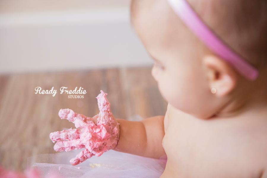 Miami-Kids-Photographer-Photography-Ready-Freddie-Studios-Kaitlyn-Cake-Smash-03