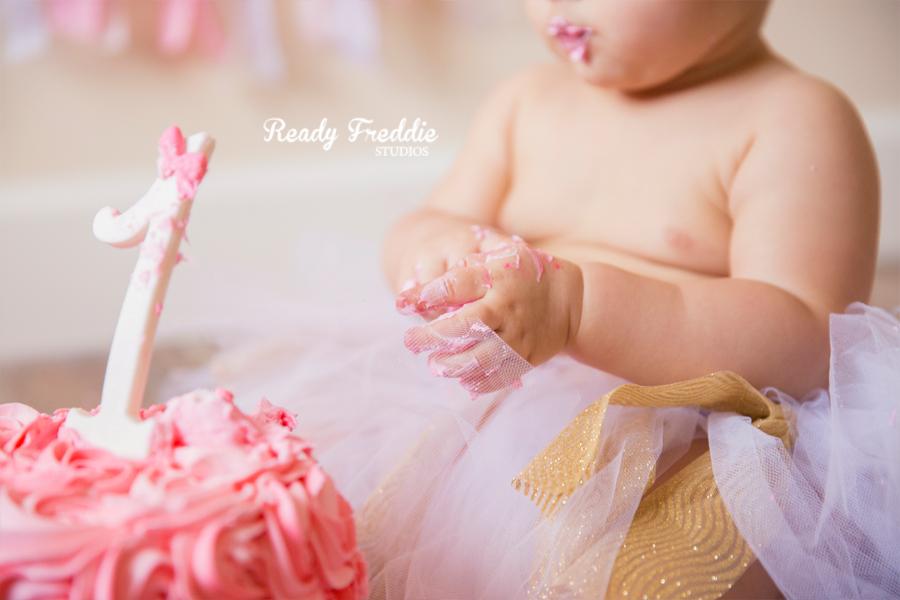 Miami-Kids-Photographer-Photography-Ready-Freddie-Studios-Kaitlyn-Cake-Smash-07