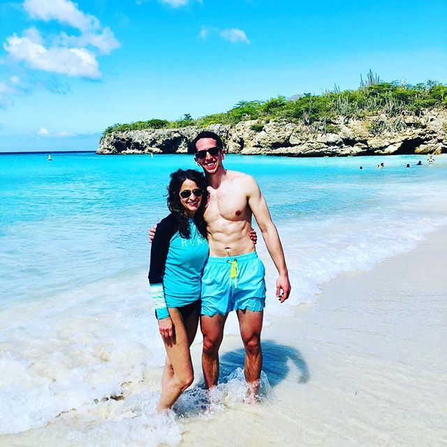 Just got back from an amazing family trip to Curaçao...2018 was a healthy and happy year for me and 2019 will be even better. I hope it is for all of you as well #eatwell #fitspo #fitfam #slowcarbdiet #timferriss