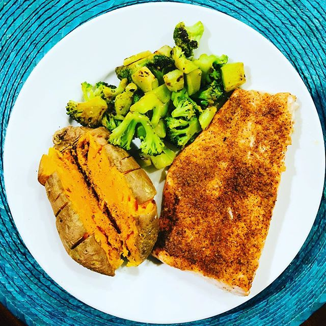 Simplicity is beautiful . . . . . #cooking #eatclean #fitfood #pescitarian #nutrition #healthyeating #healthyfood #healthy #3ingredients #salmon #sweetpotato #broccoli #bostonfoodies #bostonfoodie