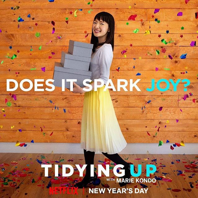 I know what I'm doing today, @mariekondo! 😊 • • • • • #tidyingup #mariekondo #nye #happynewyear #konmariconsultant #lifechangingmagicoftidyingup