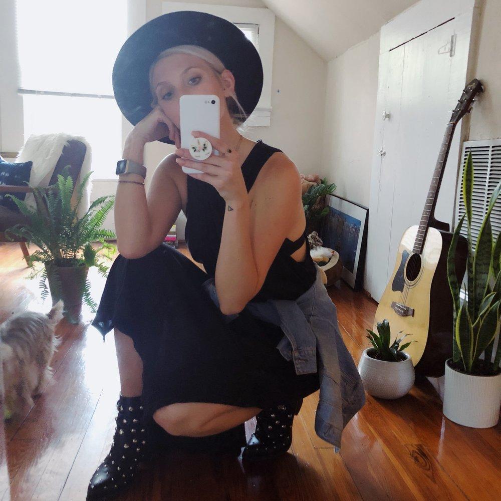 mirror-selfie.jpg