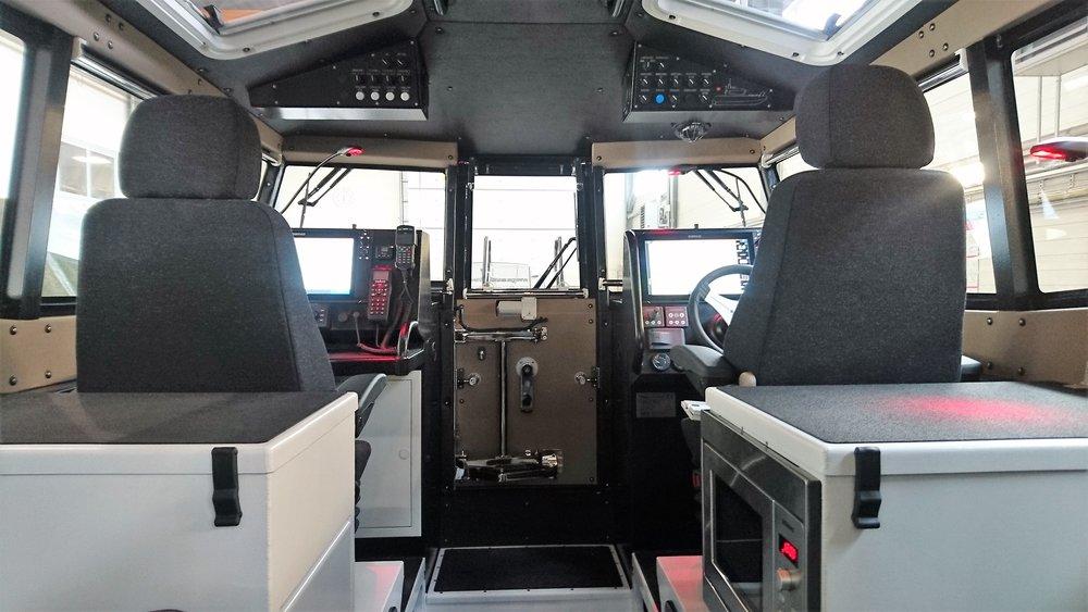 V100-MC Cabin1.jpg