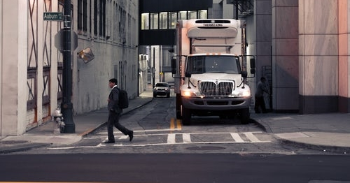 tips-for-holiday-truck-driving_transolutions