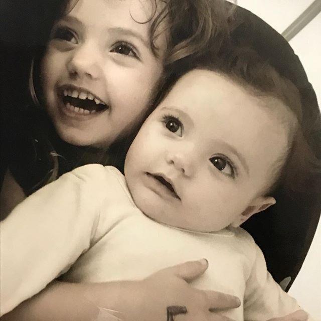 Be away from these lil girls is so damn hard... yesterday  Luna told me:  I love playing with you uncle Danny, you're so funny! 😍😢my heart was instantly full of pure joy!  Estar longe dessa duas garotinhas eh muito difícil: ontem à Luna me disse que adora brincar comigo e que sou engraçado, titio ficou abobado.  #familylife #festivallulalivre #brasil #lulaehaddad #manueladavila #unclelife