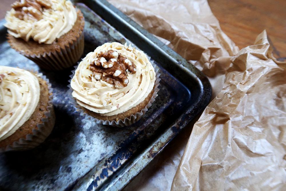 coffee_and_walnut_cupcakes.jpg