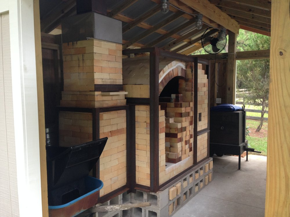GETTING SERIOUS - AFTER A FEW YEARS I DECIDED IT WAS TIME TO GET SERIOUS.  I HAD DEVELOPED A LOVE OF SODA FIRED POTS AND MOVED FORWARD WITH CONSTRUCTION OF A CROSS DRAFT KILN.  THE KILN WAS BUILT BY MATT LONG IN DECEMBER OF2012.