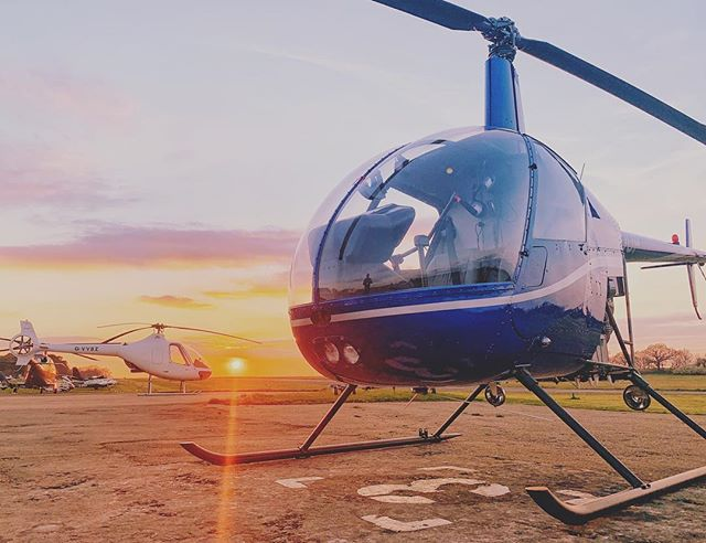 They may only have 2 seats but they get the job done well 🚁👌 Our Cabri & R22 soaking up the last of the sunlight last week 🌅