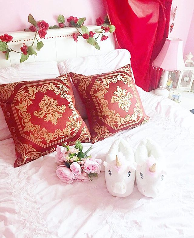 Bedroom decor is a form of self expression, and I wanted to make this place my own little fairytale haven. When I decided to redesign, my goal was to make it look like a princess' bedroom in a fairytale castle; a girl can dream, right? I was conflicted between a pink and girly room theme or a luxurious red and gold fairytale palace room theme (red and gold are the colors of fairytale royalty in my opinion!) so I ended up doing a little mix of both, because I didn't want to choose between my love for pink and my love for fairytales. If you could decorate your room with any theme at all, what would you pick? 🌸 . . . #pink #girly #allthingsgirly #princess #pastel #bloggersofinstagram #pinkflowers #roses #beautyblogger #fblogger #bloggergram  #discoverunder1k #flatlay #decor #unicorn #fairytales #fairytale #girlythings #girlystuff  #princessstyle  #pinklife #pinkworld #lovepink #pinktheme #lifestyleblogger