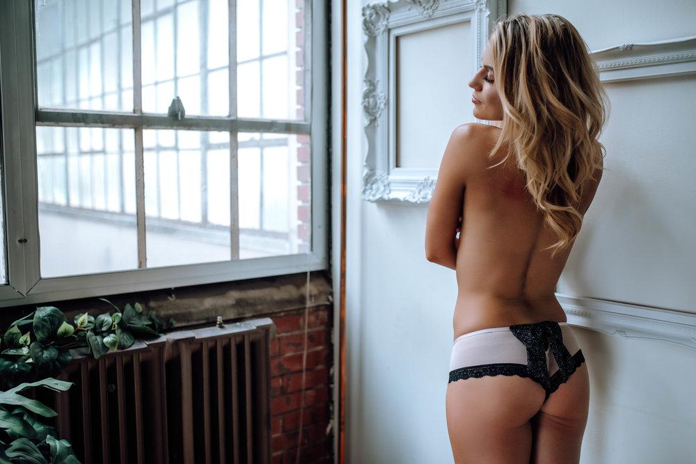 boudoir_photographer_lancaster_pa_best_sexy_photos-26.jpg