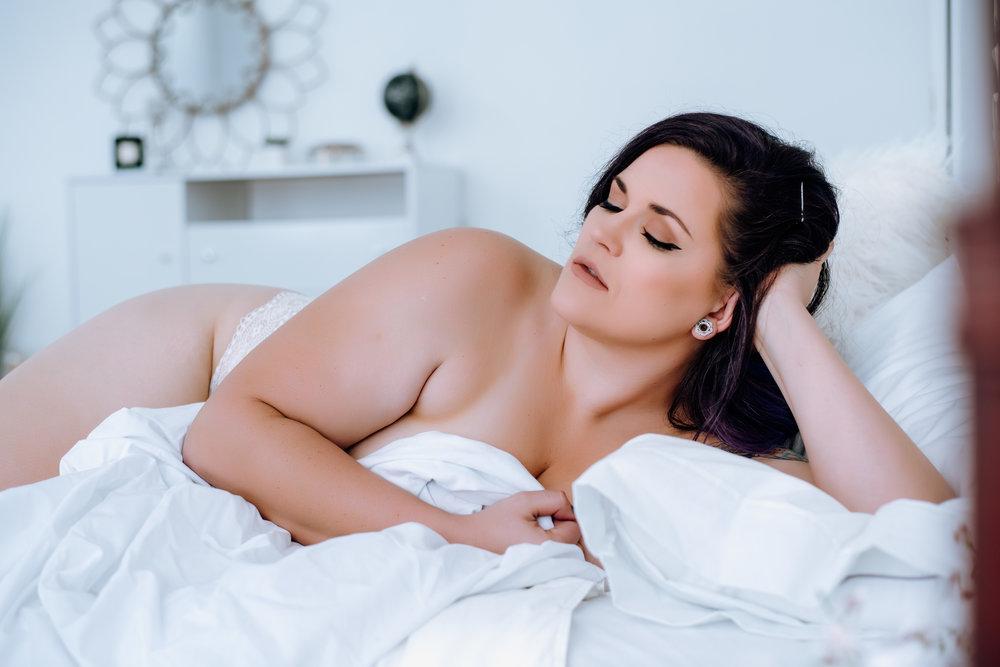 best-boudoir-photographer-near-me-17.jpg