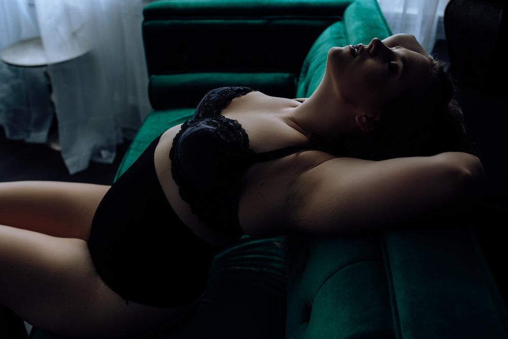 boudoir-photos-0-8.jpg