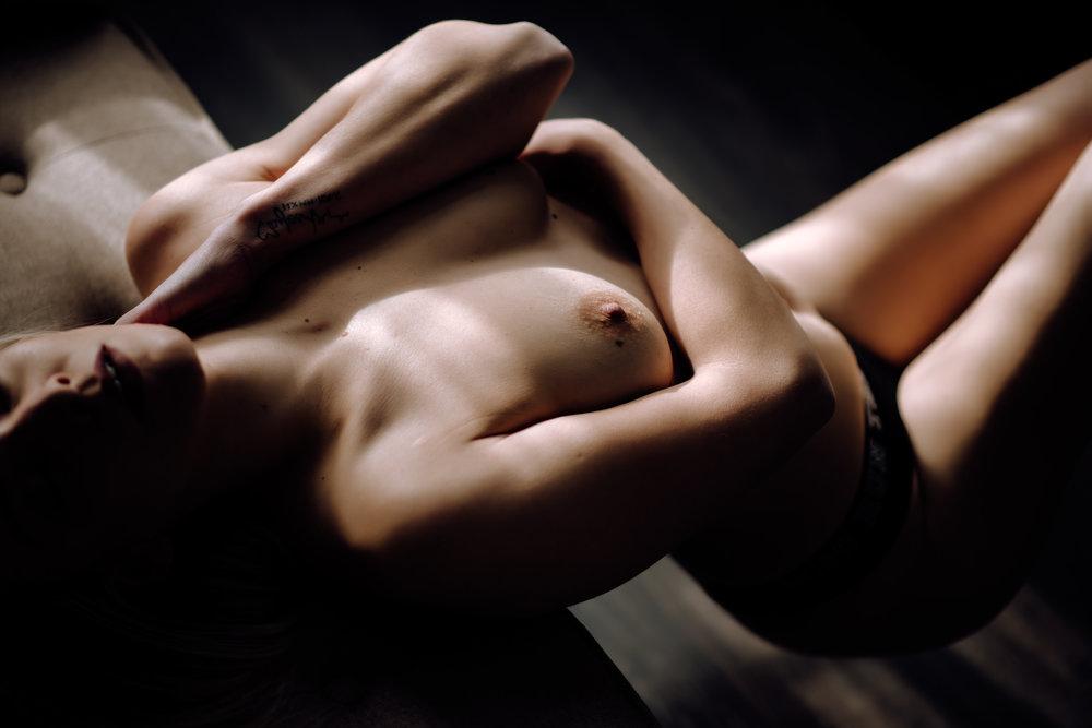 dark-and-moody-boudoir-5.jpg