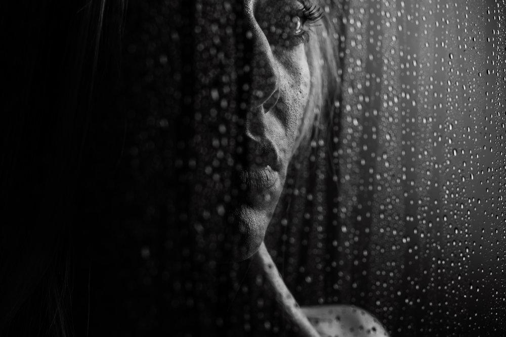 dark-and-moody-boudoir-10.jpg