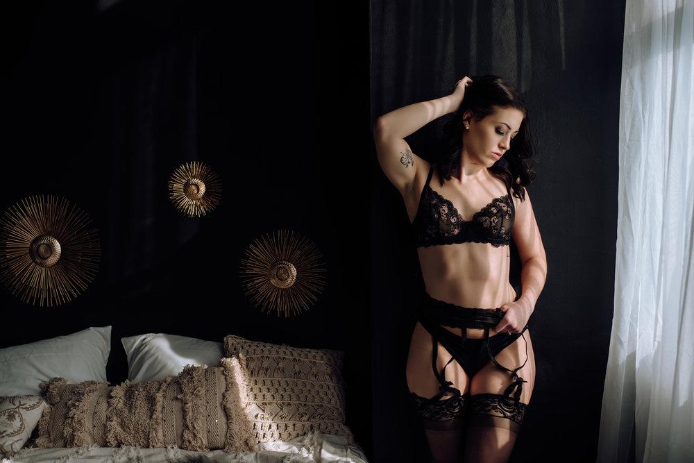 Enter to win a boudoir experience! - ENTER NOW!