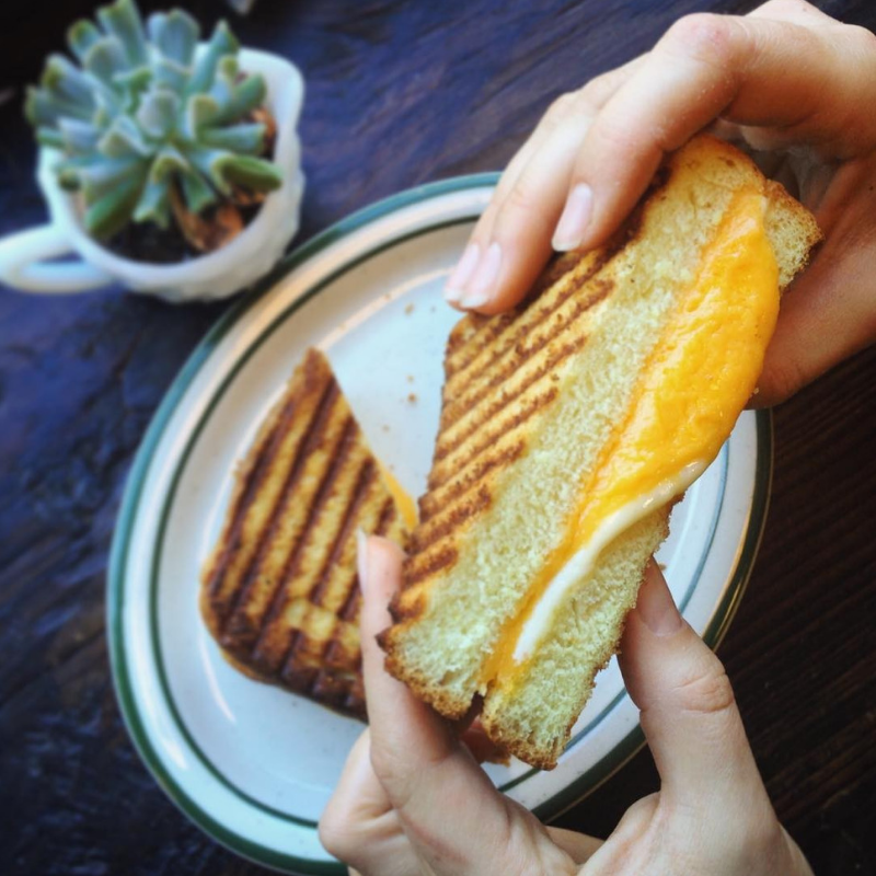 The Tusten Cup_Grilled Cheese.png
