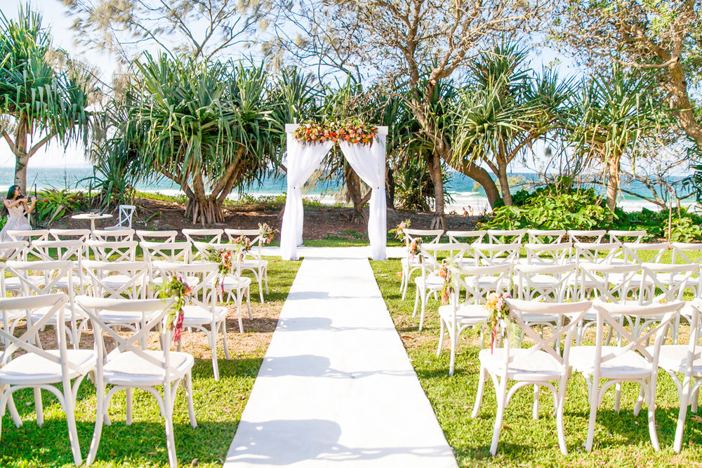 Maison-la-plage-grove-noosa-wedding-location .jpg