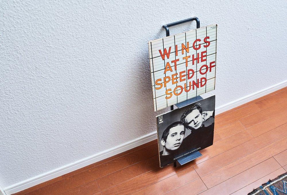 LPレコードは重ねて数枚置くことが可能です
