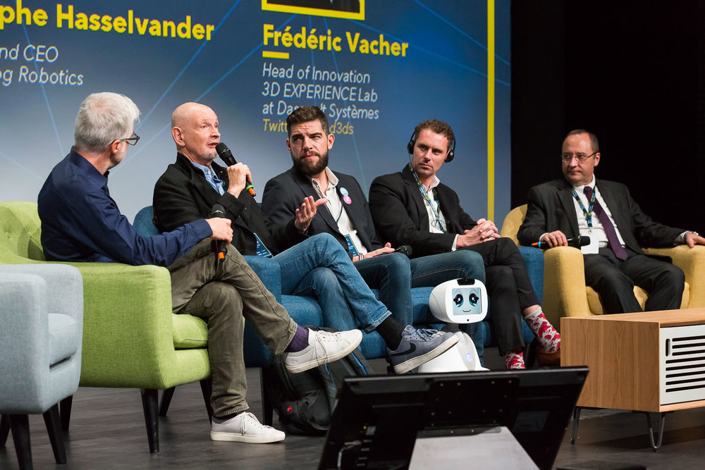"PANEL : AI AND ROBOTS SERVING HEALTHCARE Speakers :  Moderator : Frédéric  Vacher  - Head of Innovation 3D EXPERIENCE Lab at Dassault Systèmes, Serge  Tisseron  - Psychiatrist, member of the Academy of Technology, Founding President of ""Institute for the study of relations between humans and robots"" (IERHR), Rodolphe  Hasselvander  - Founder and CEO of Blue Frog Robotics, Jesse  Arlen Smith  - Founder of AI for Good, Founder of JohnnyFive AI, Pr. Luc  Soler  – Founder at Visible Patient, Francis  Bach  - Researcher at INRIA (hors cadre). Photo : Svend Andersen"