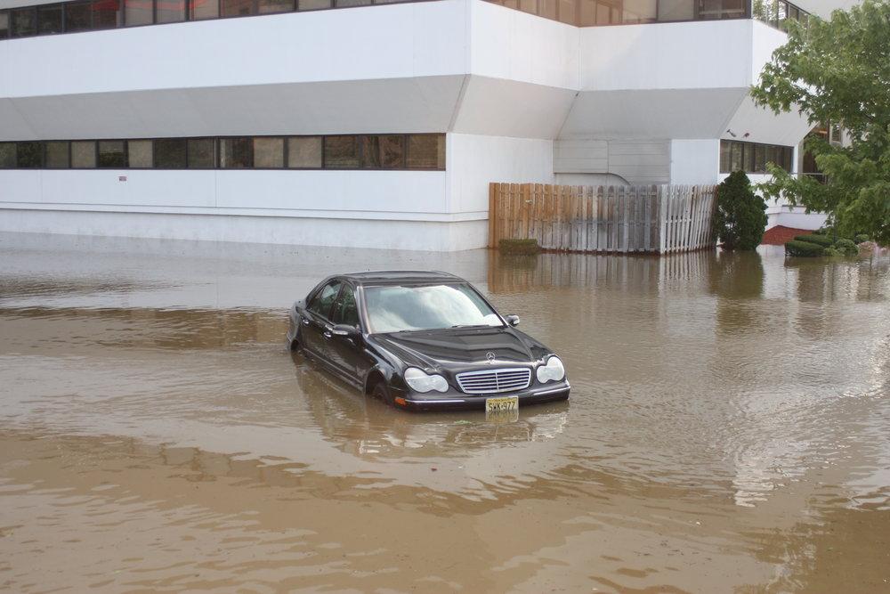 flood bldg car.JPG