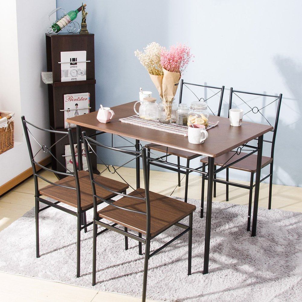 Table & Chairs - Dining room table with 4 chairs