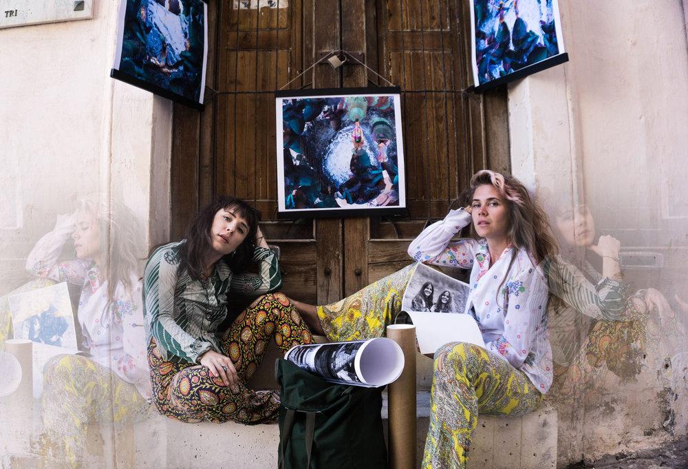Kimberley Ahlström & Frida Palovaara   fallondrin.com