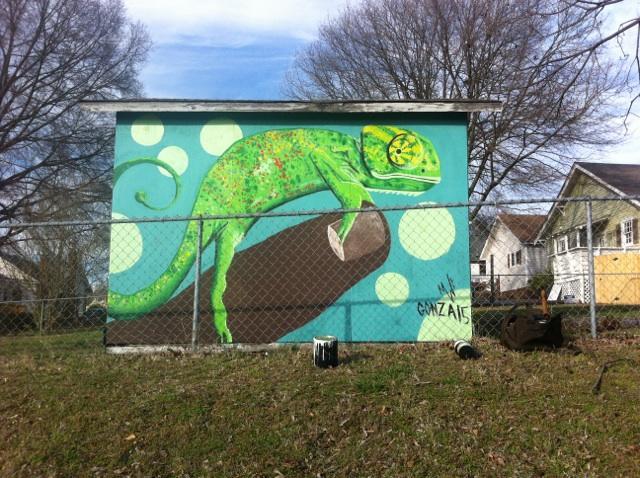 Gloria_Concord_Mural_2015_julio_gonzalez_wonderwhatif_art_mexican_latino_chameleon.jpg