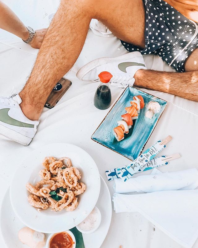 My kind of lunch date 🥢🍣
