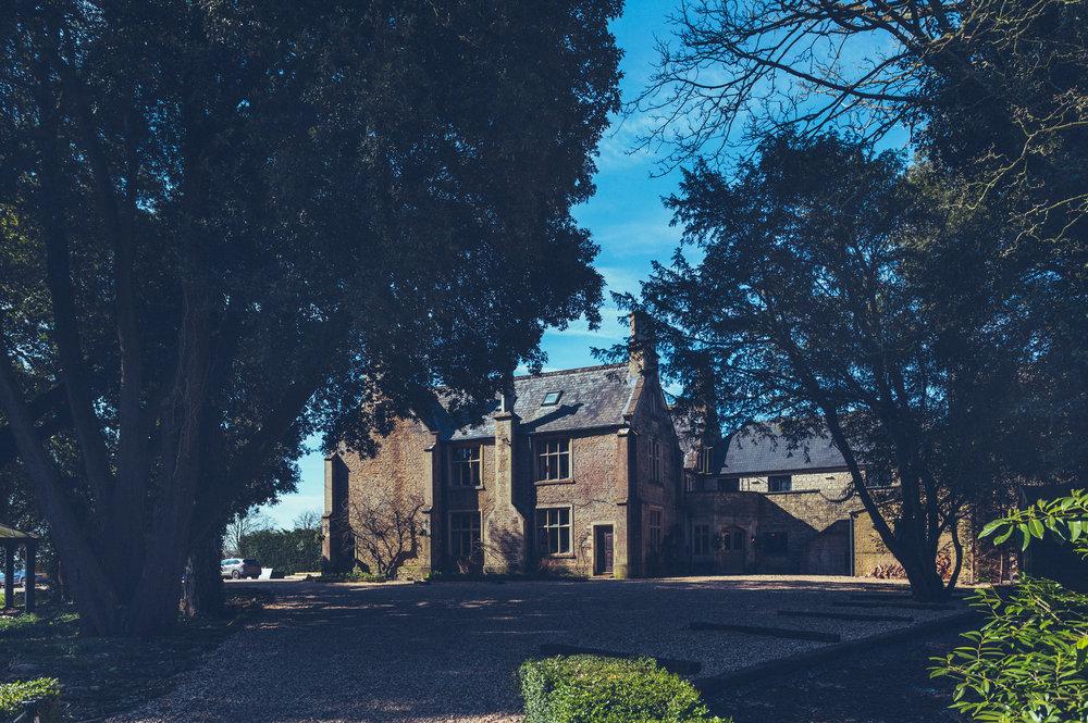 Stanton Manor-EntranceDriveway.jpg